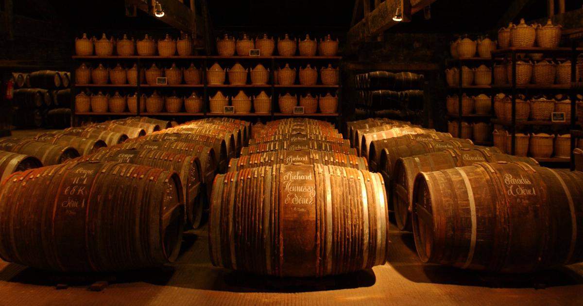 cognac francesi in vendita su grandi bottiglie